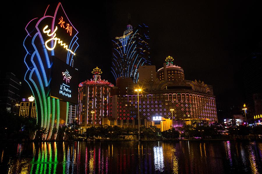 前哨雜誌總編劉達文認為,中共想要推澳門替代香港是註定失敗的。(Getty Images)