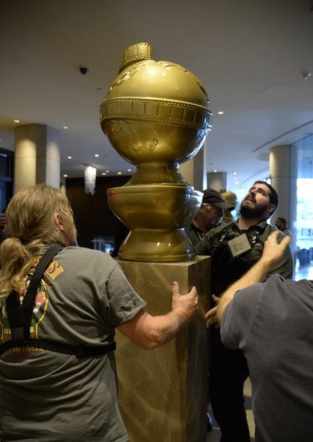 第73屆金球獎1月10日舉行頒獎典禮,各項籌備工作正緊鑼密鼓地進行著。(Kevork Djansezian/Getty Images)