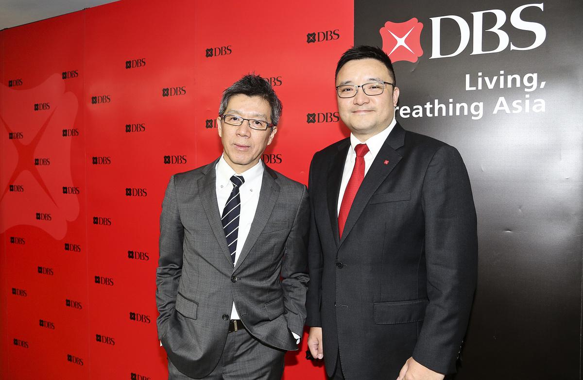 左起星展銀行零售銀行業務及財富管理投資總監林哲文、星展香港財富管理(北亞區)署理投資總監李振豪。(余鋼/大紀元)