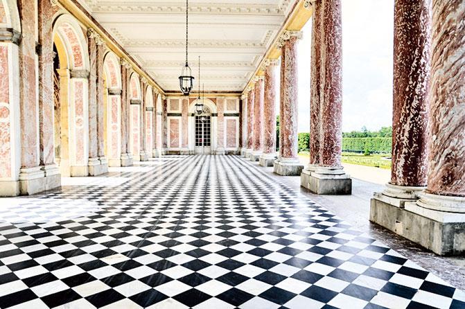 柱廊。(Le Péristyle)(Azurfrog/ Wikimedia Commons )