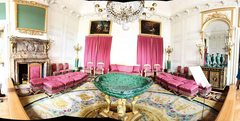 孔雀石廳。(Le salon des Malachites)(Crochet.david  /Wikimedia Commons)