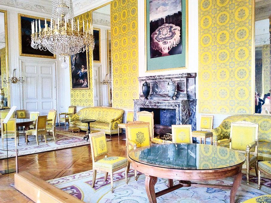 路易-菲利普的家庭客廳(Le salon de famille de Louis-Philippe)。(Jmpoirier1/ Wikimedia Commons)