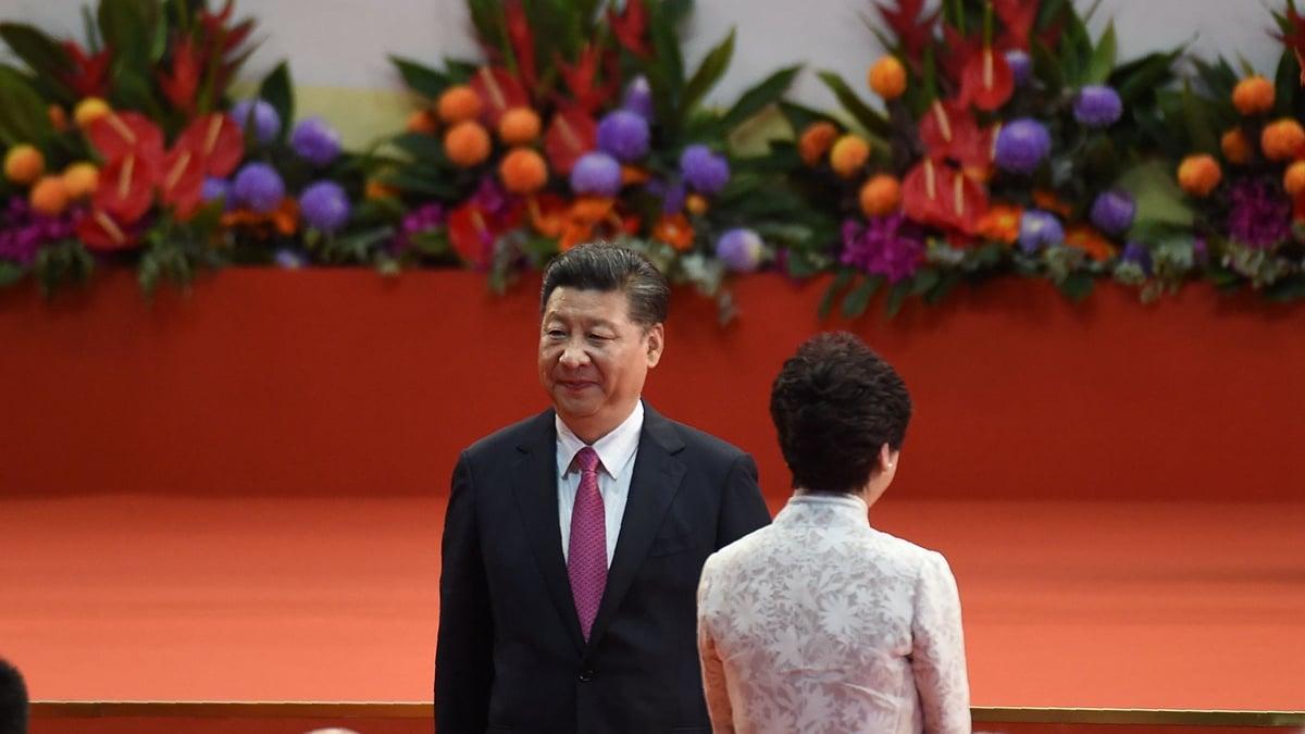 習近平形容香港局面嚴峻,並表態支持林鄭。(ANTHONY WALLACE/AFP/Getty Images)