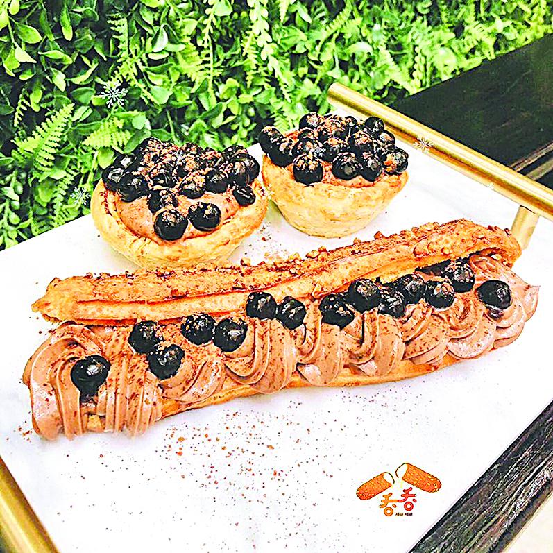 奶漿四溢 創意的黑糖珍珠蛋撻