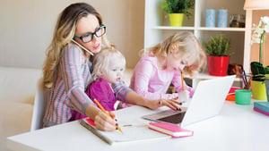 「斜槓媽媽」壓力大 小心卵巢提早衰退