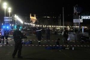 法國恐襲 目擊者:像大屠殺 屍體隨處可見