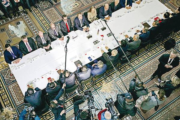 北京希望讓外界認為近期的貿易協議是其戰略上的勝利,但仔細分析下,這種說法恐怕很難成立。圖為今年2月中美官員在華府舉行一輪談判。(Getty Images)