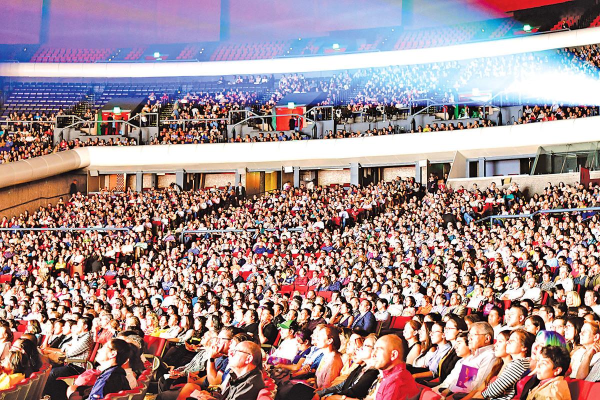 2019年4月7日晚,美國神韻巡迴藝術團在墨西哥首都墨西哥城國家禮堂(Auditorio Nacional)進行了今年在當地的第場演出,全場再次爆滿。(文琍/大紀元)