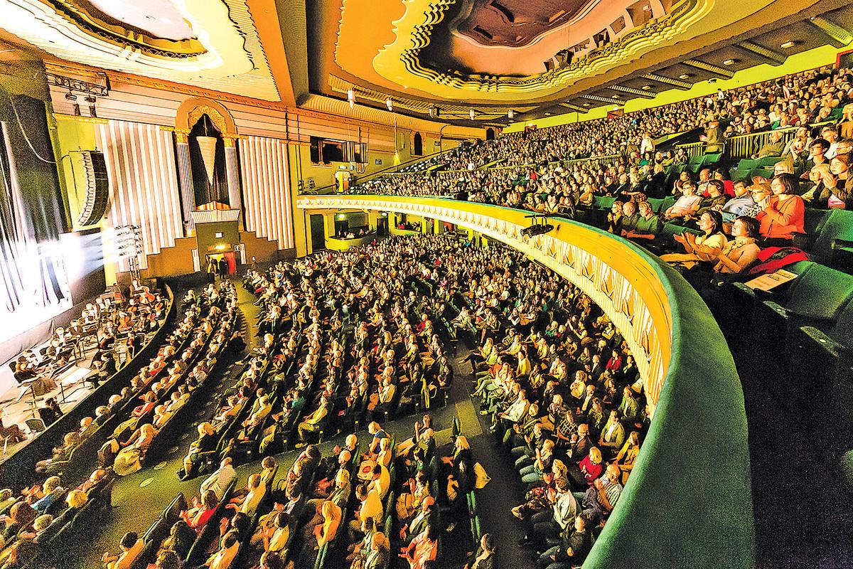 2018年3月19日,美國神韻紐約藝術團在羅馬歌劇院進行的兩場演出,場場爆滿。(Marius Iacob/大紀元)