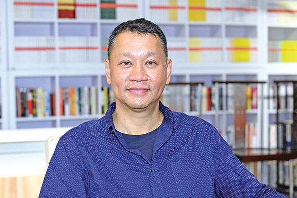 「香港特首林鄭政治上已死」