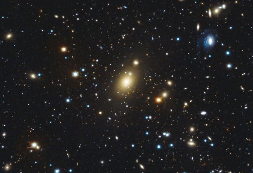 發現空前巨型黑洞 質量為四百億個太陽