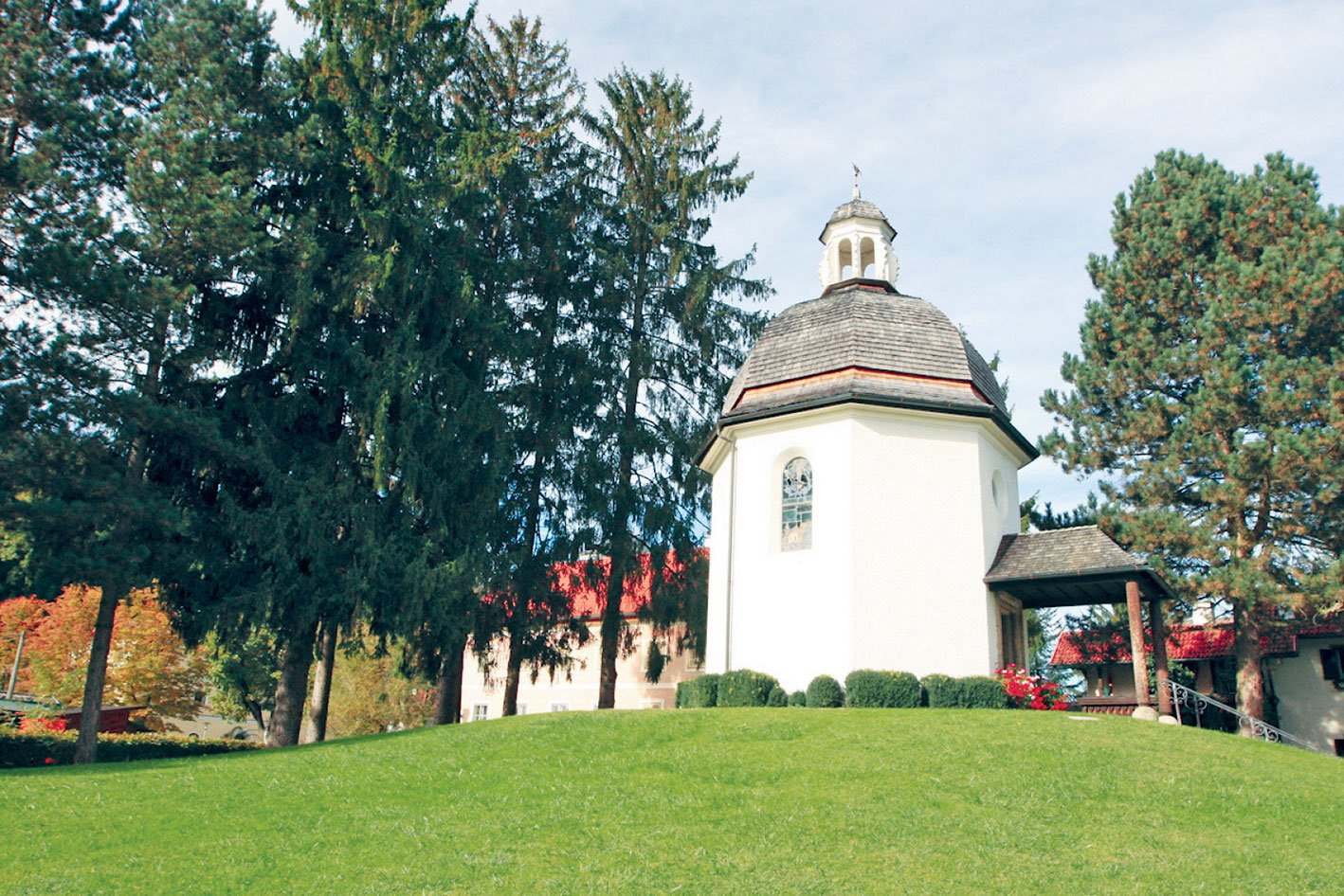 聖.尼古勞斯教堂的禮拜堂,首次演奏《平安夜》的地方。(黃芩/大紀元)