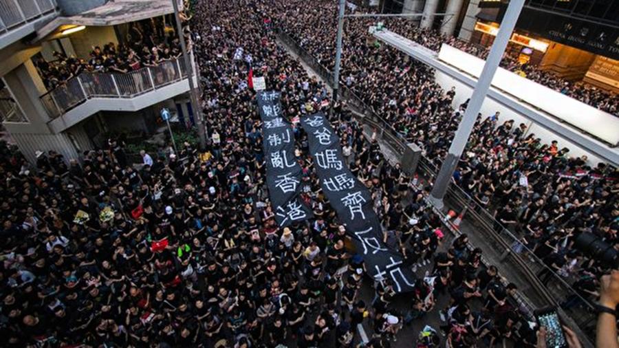 平安夜港警如臨大敵 香港「跨年抗爭」勢不可擋