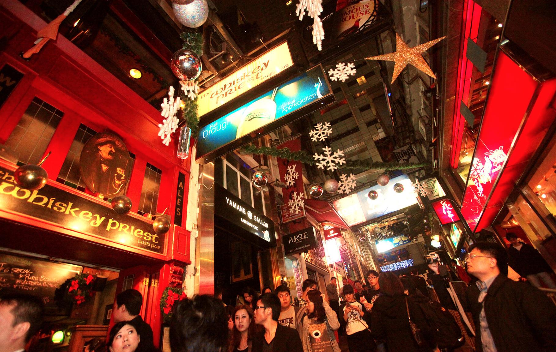 往年蘭桂坊的聖誕節  (Wiki網圖片)