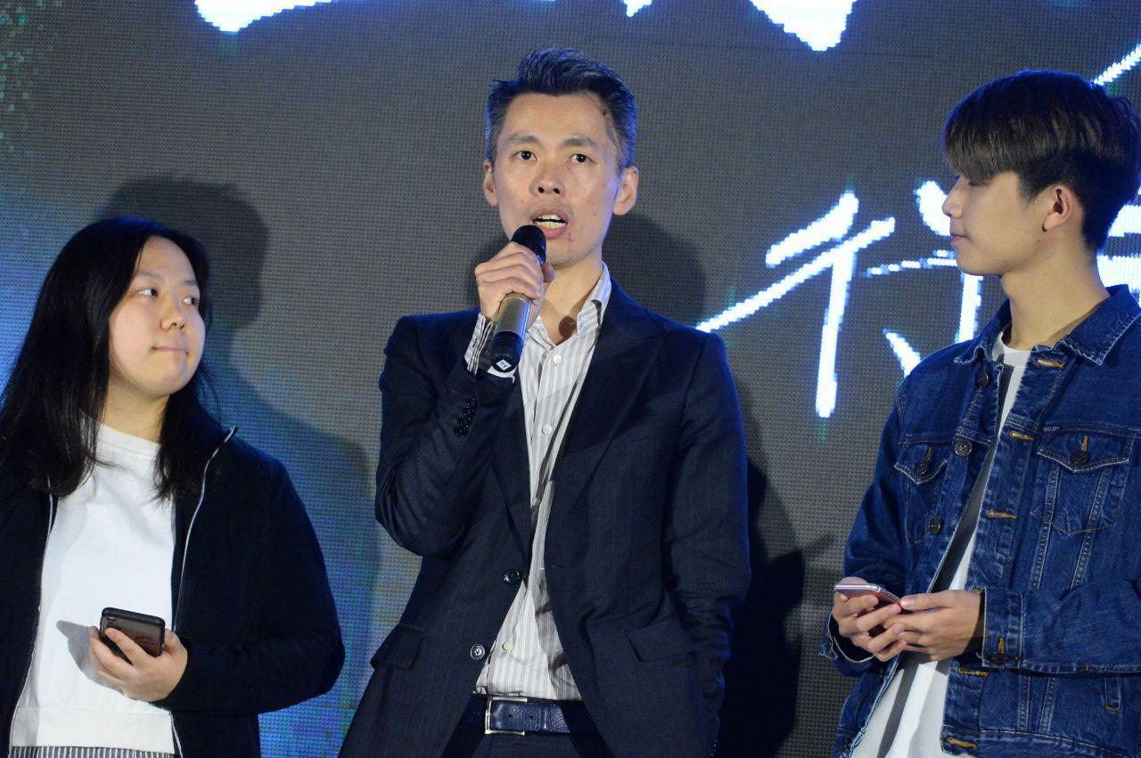 龍門冰室老闆張俊傑提出「良心社會」。(宋碧龍 / 大紀元)