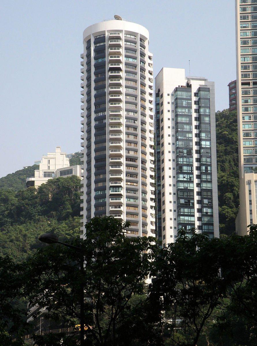 世紀大廈1座(左)及2座(右)(維基百科)
