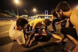 土耳其政變衝突首都42死 國會持續被炸