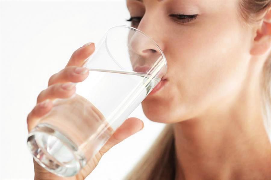 水是生命之源   老年人如何飲水更健康