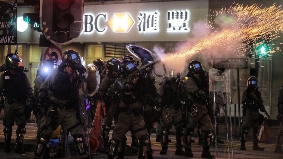 港警辭職大爆內幕:高層包庇下屬 警員期待開槍