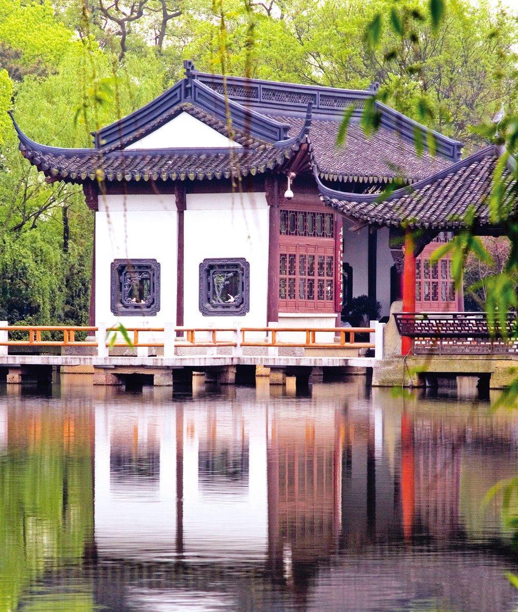 江山與風月,最憶是杭州、是西湖!(Fotolia)