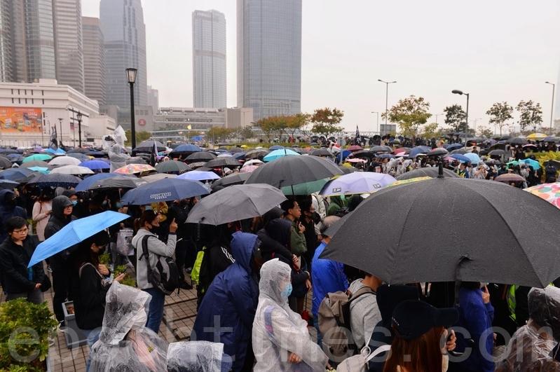 香港14歲中學生的心聲:繼續走出來抗爭