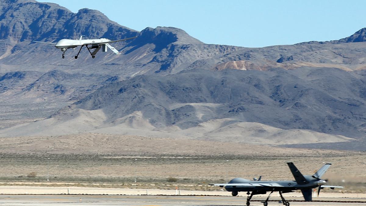 美軍在聖誕節期間派出4架主力偵察機飛臨朝鮮半島上空,以加強對北韓進行監視。示意圖(Isaac Brekken/Getty Images)