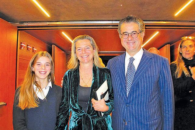 Lucio Corsini公爵夫婦及女兒(麥蕾/大紀元)