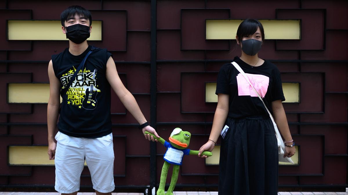 X小姐憶述,當時她和男友疑因戴口罩被該批暴徒稱呼為曱由,更慘被打至遍體鱗傷。示意圖( Getty Images)
