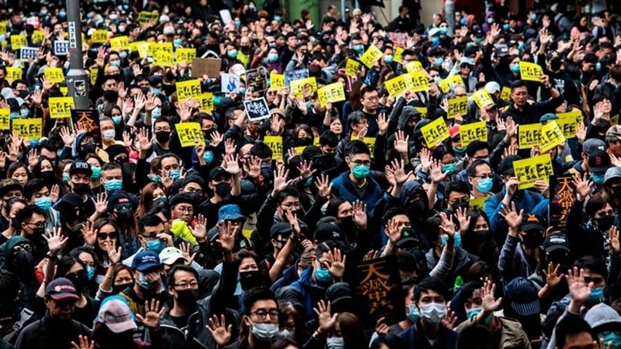 香港元旦遊行場面震撼 港警瘋狂抓人