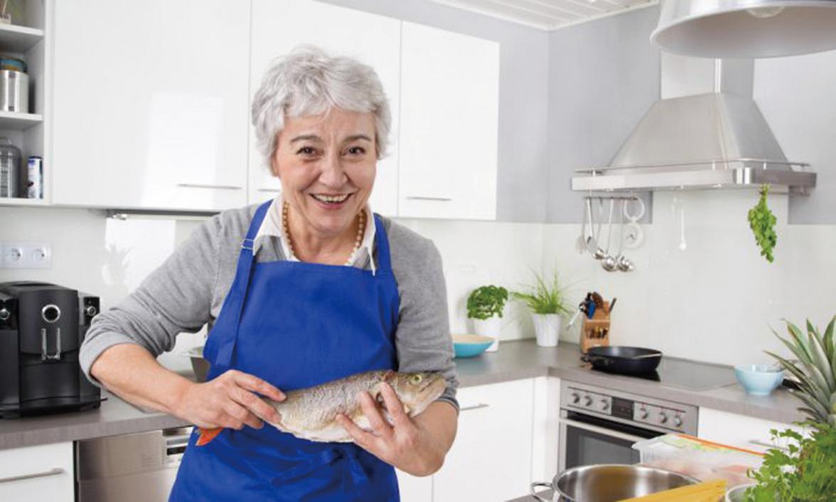 隨著人們年齡的增長,蛋白質變得越來越重要,而老年人在體重減輕、應對慢性或急性疾病或面臨住院治療時,需要食用更多富含蛋白質的食物。(Shutterstock)