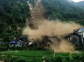 湖南湘西暴雨致山泥傾瀉 多棟民房被毀