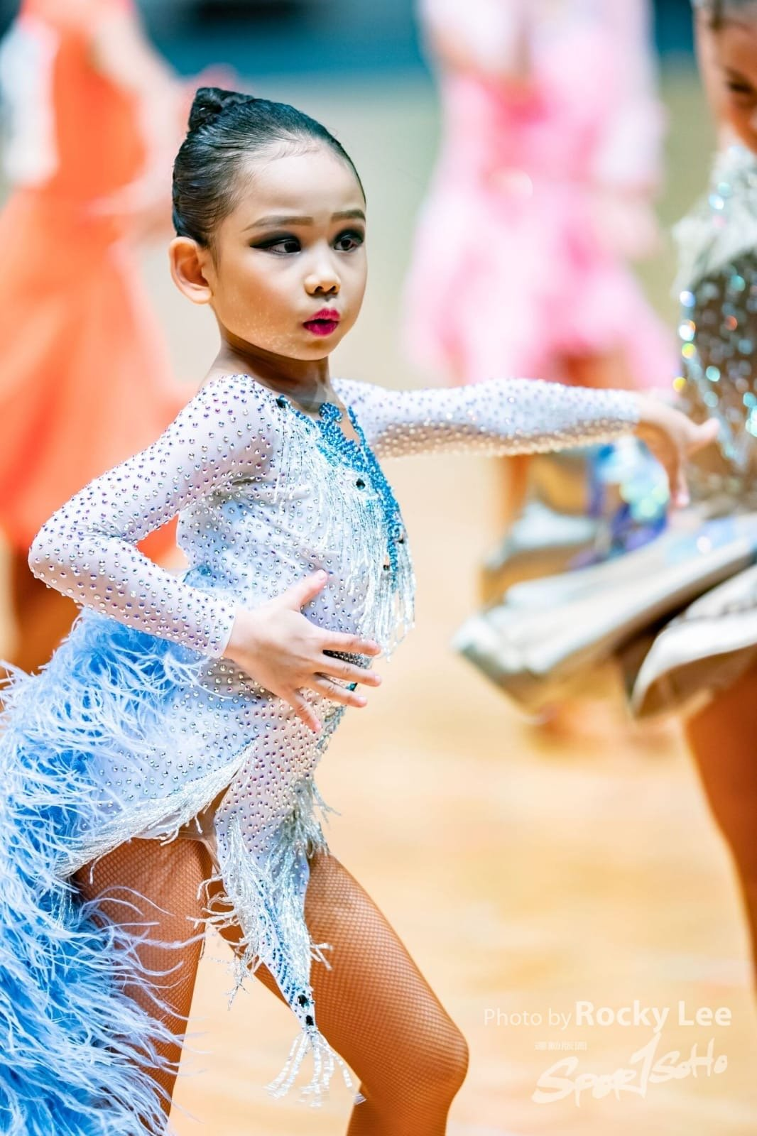 Joyce提到,家長們對拉丁舞音樂存在誤解,總覺得小朋友需要學習某個特定的歌曲,小朋友才學懂舞步,其實只要掌握節奏,所有的拉丁歌曲都可以隨之起舞,並不需要特定的曲目。(受訪者提供)