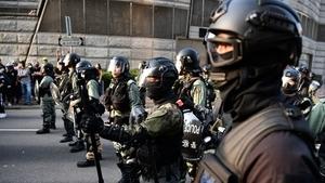 香港警察「反水」 脫下制服參與抗爭