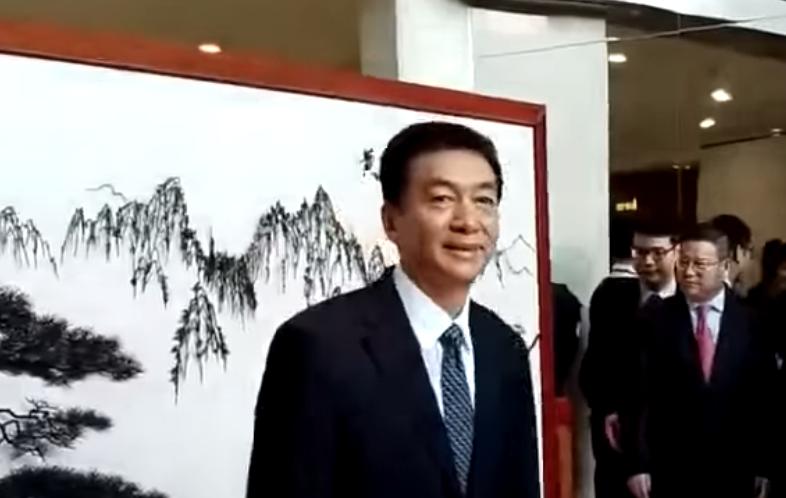 駱惠寧正式上任,早上與媒體簡短見面。(網絡影片截圖)
