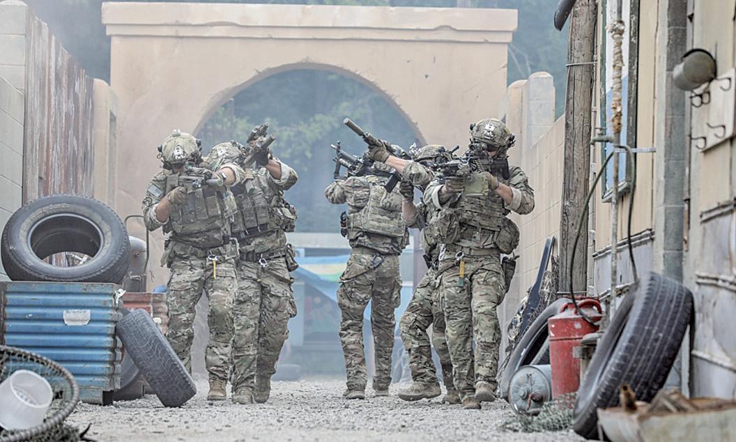 圖為2018年7月22日,第75遊騎兵團的突擊隊員在肯塔基州的一處軍營進行訓練。(U.S. Army)