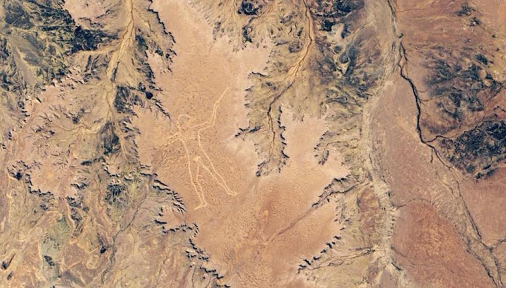 美國太空總署(NASA)於2019年6月份拍攝到的馬裏人(土著人)形地畫。(NASA)