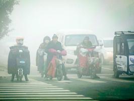 陰霾來襲 69城發重污染預警