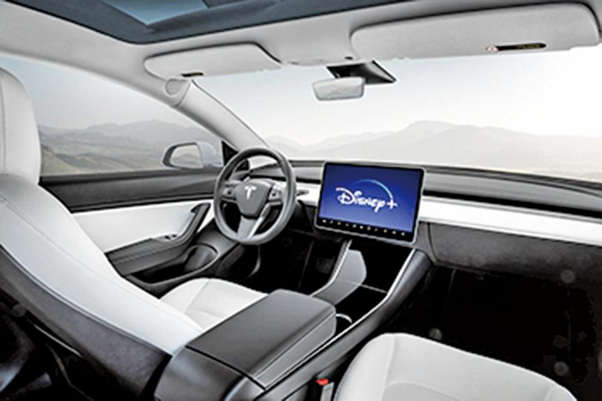 特斯拉將在電動車的Tesla Theater裏面增加迪士尼影片。(Tesla)