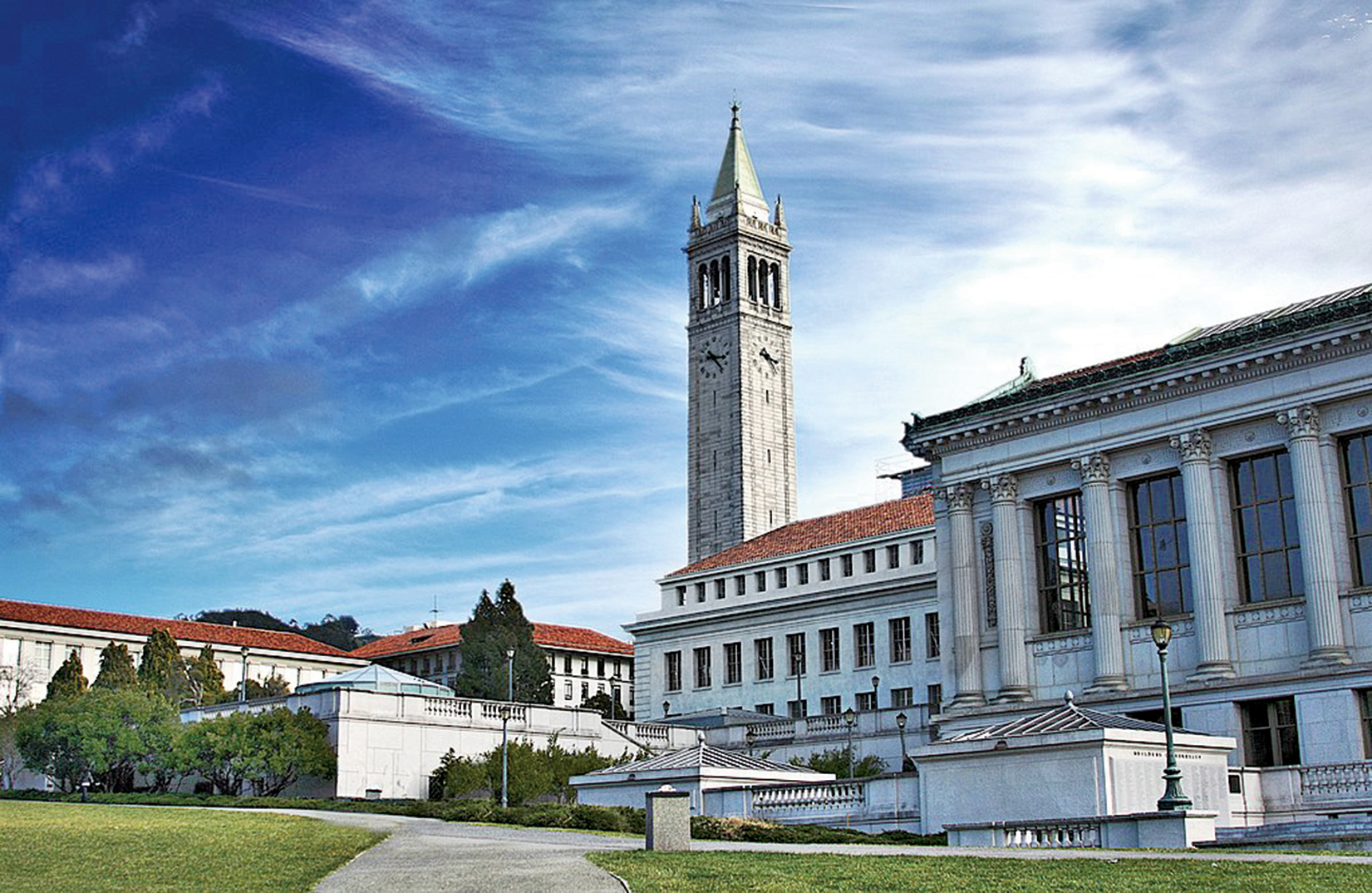 學習大學工程專業未來的回報較高,不僅就業容易,薪資也高。