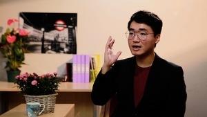 獨家專訪鄭文傑(3) 無奈被迫認「嫖娼」拒交手機密碼 公安訴諸暴力