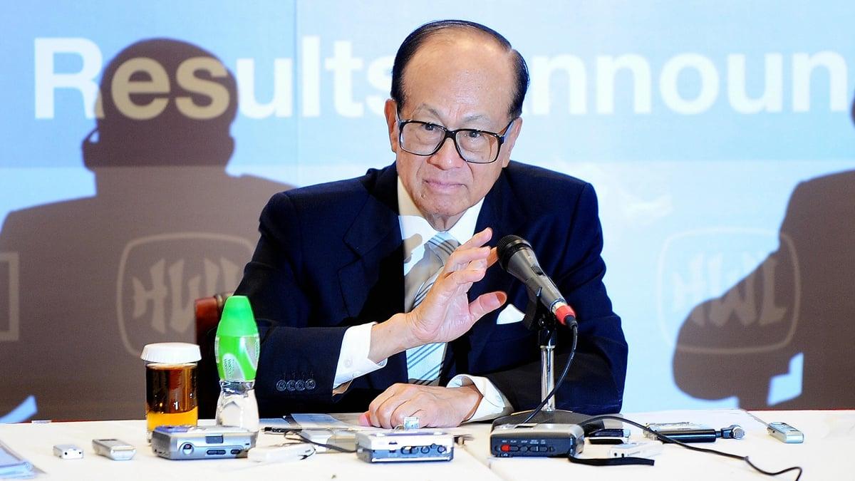 長江實業集團1月10日晚舉行周年晚會上,在被追問對香港局勢的看法時,李嘉誠說「今天真不是我講」。(LAURENT FIEVET/AFP/Getty Images)