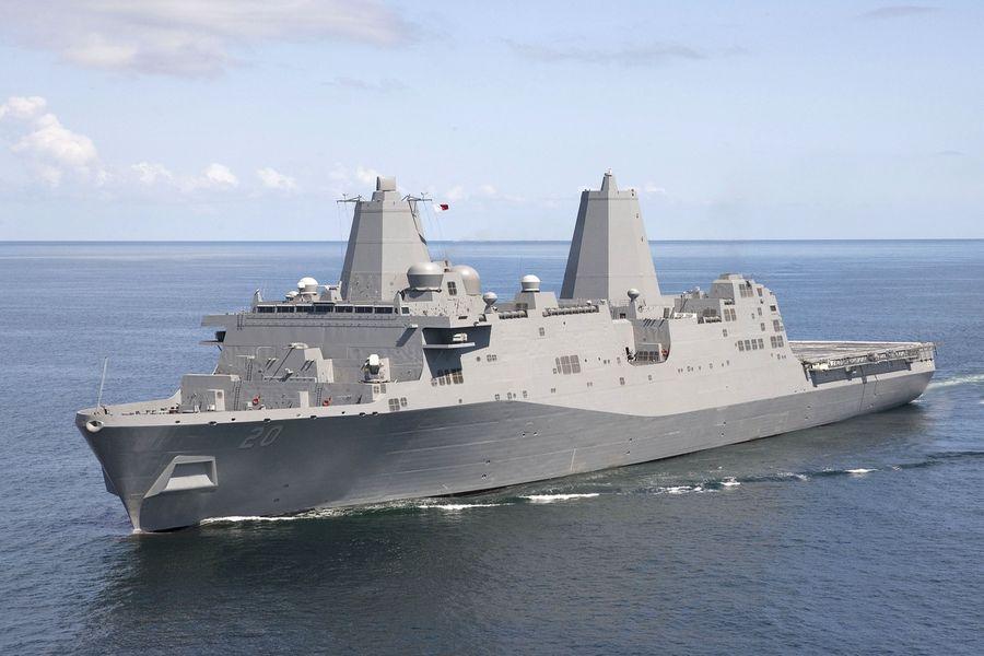 美台關係在加強。圖為美國一艘聖安東尼奧級兩棲船塢運輸艦「綠灣號」(USS Green Bay LPD 20)由南向北穿越台灣海峽。(公有領域)
