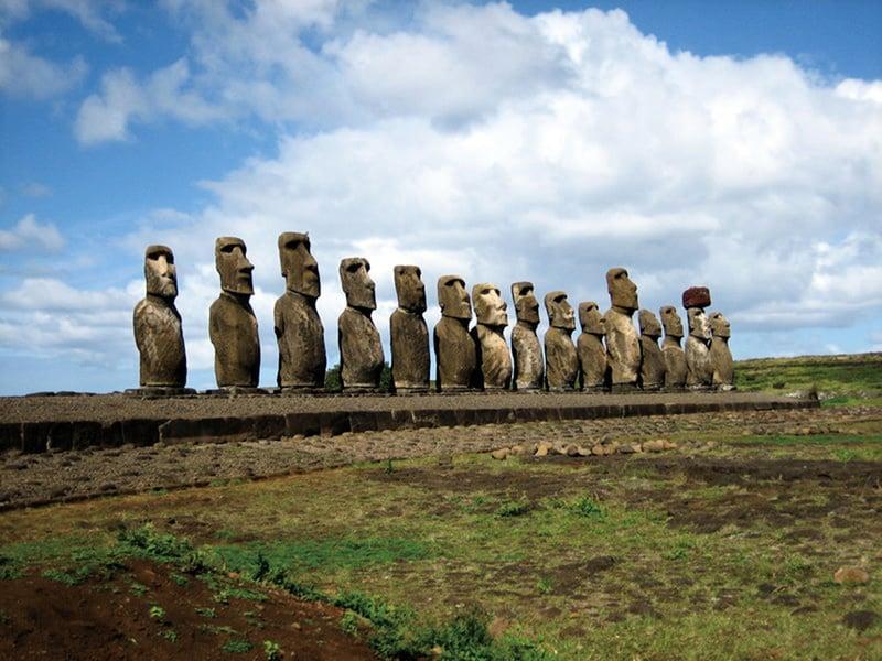 研究發現復活節島上近千巨大摩艾石像特殊意義