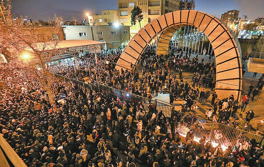 伊朗抗議要求處決獨裁者