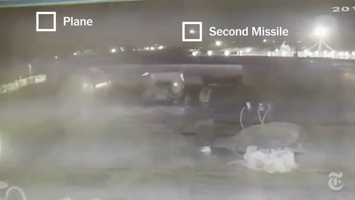 烏克蘭航空一架波音737客機8日墜毀於伊朗。新的監視影像顯示,這架商用飛機從德黑蘭機場起飛幾分鐘後遭一枚導彈擊中,約23秒後又遭到另一枚導彈攻擊。