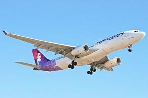 夏威夷航空客機漏油 緊急迫降日本機場