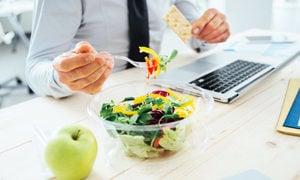 四个技巧讓你在工作中保持健康飲食