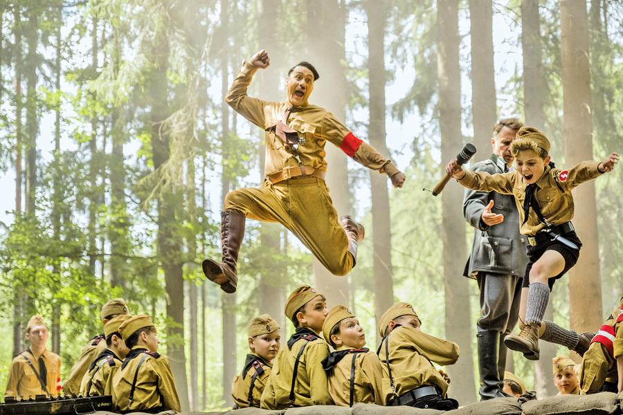 《陽光兔仔兵》 以黑色幽默刻畫納粹惡行 同樣能很成功
