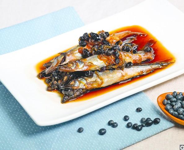 有日式風味的黑豆佃煮柳葉魚。