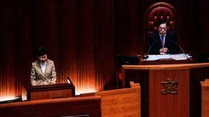 兩個女人兩台戲 港議員諷林鄭:蔡英文都要謝你